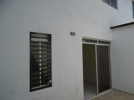 espaciosa casa de 2 pisos en ph para estrenar. acacias meta
