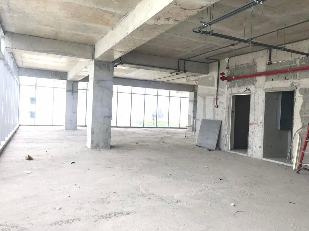 espaciosa oficina en venta en costa del este panama