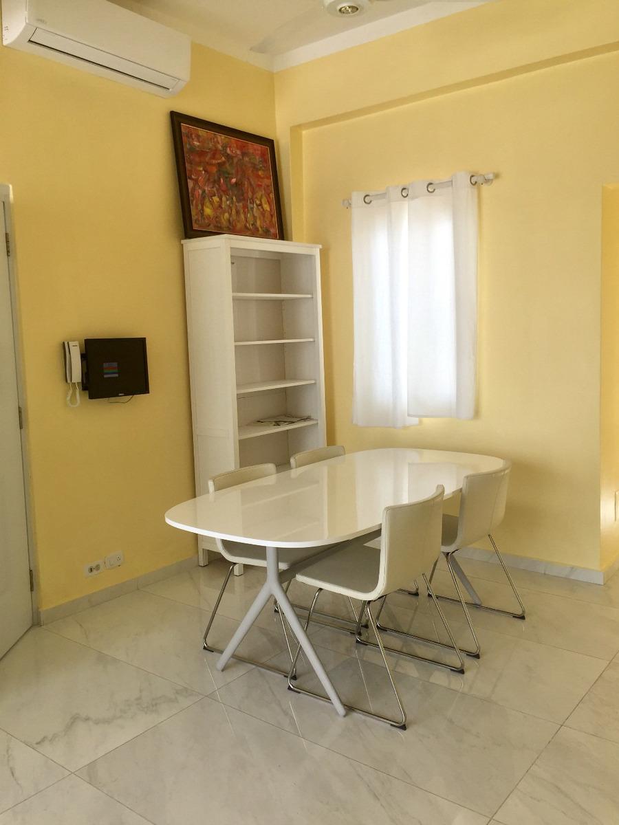 espacioso apartamento en el centro de zona colonial