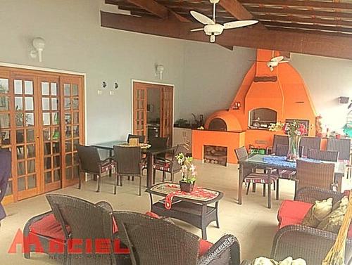 espaço gourmet - 3 suites - avenida comercial