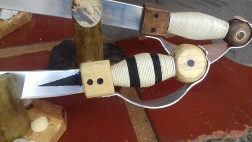 espadas piratas para decoração