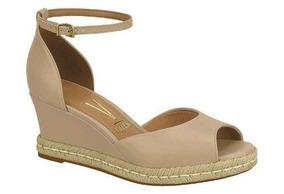a42c53b381 Sapato Anabela Plataforma Fechado Vizzano - Sapatos para Feminino no Mercado  Livre Brasil