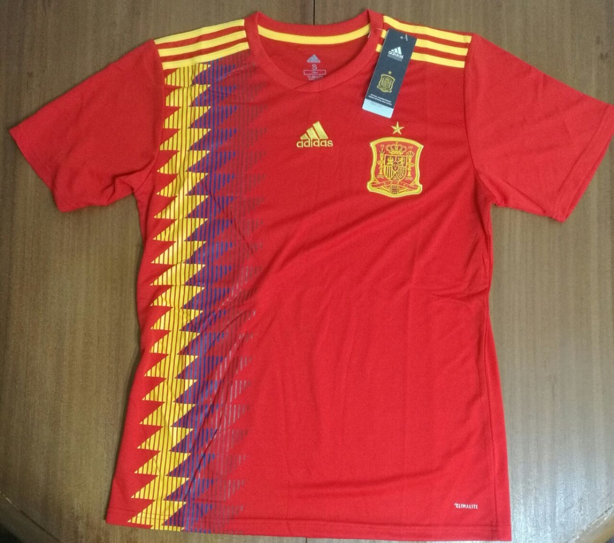 Camiseta España Mundial 2018 100% Original Envíos adidas -   1.400 ... 590719188fbdf
