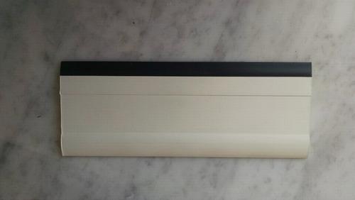 espatula blanca con negro