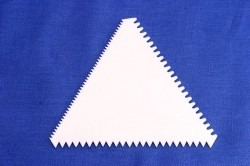 espátula triângulo decorativa serrilhada + bico similar 1m