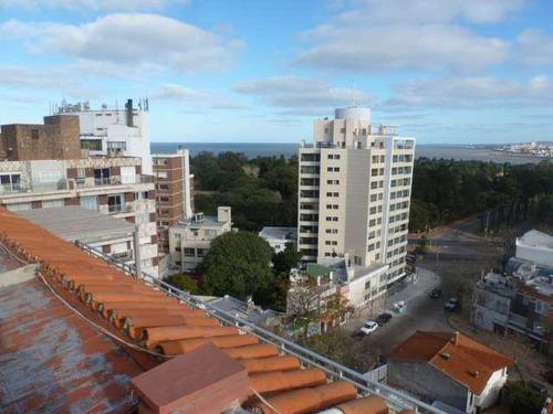 ¡espectacular apartamento con amplia terraza! excelente calidad y ubicación.