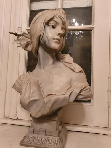 espectacular  busto en  màrmol reconstituìdo  cendrillon