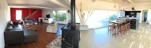 espectacular casa a metros del mar!!!!