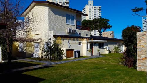 espectacular casa a metros del mar! - ref: 769
