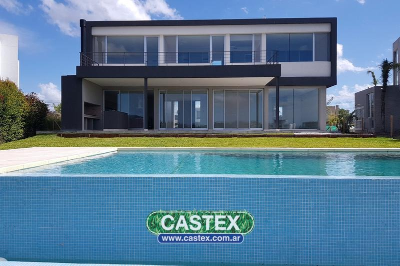 espectacular casa al agua en nordelta