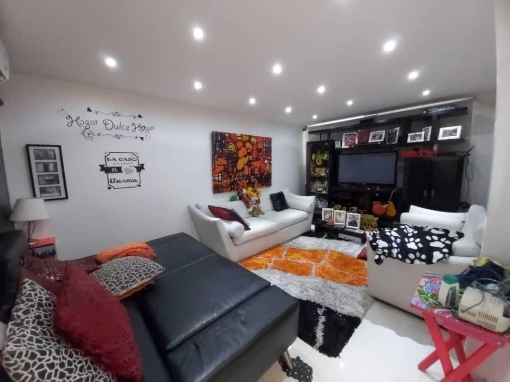 espectacular casa amoblada en venta en cabudare #20-2387