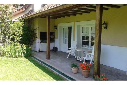 espectacular casa con pileta en country san jorge