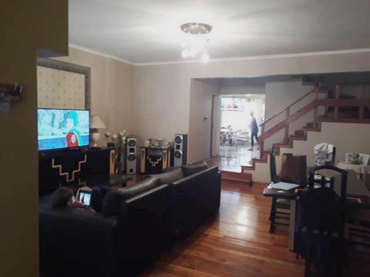 espectacular casa de 6 ambientes sobre lote de 490 m2