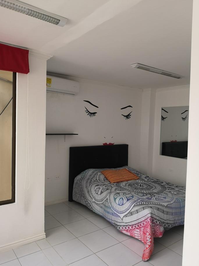 espectacular casa en altos de manta beach (vendo o alquilo)