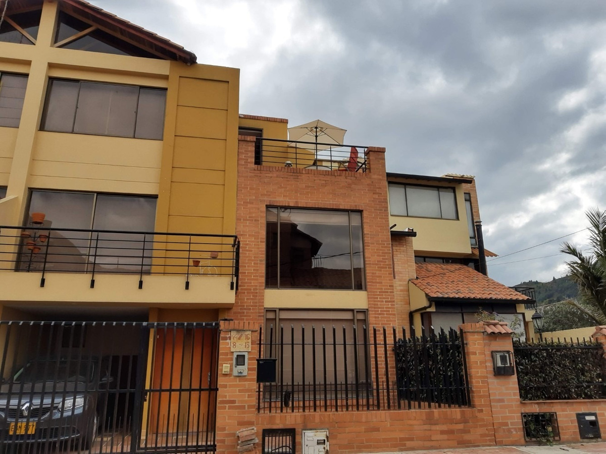 espectacular casa en cota,sector privilegiado,vista al majuy