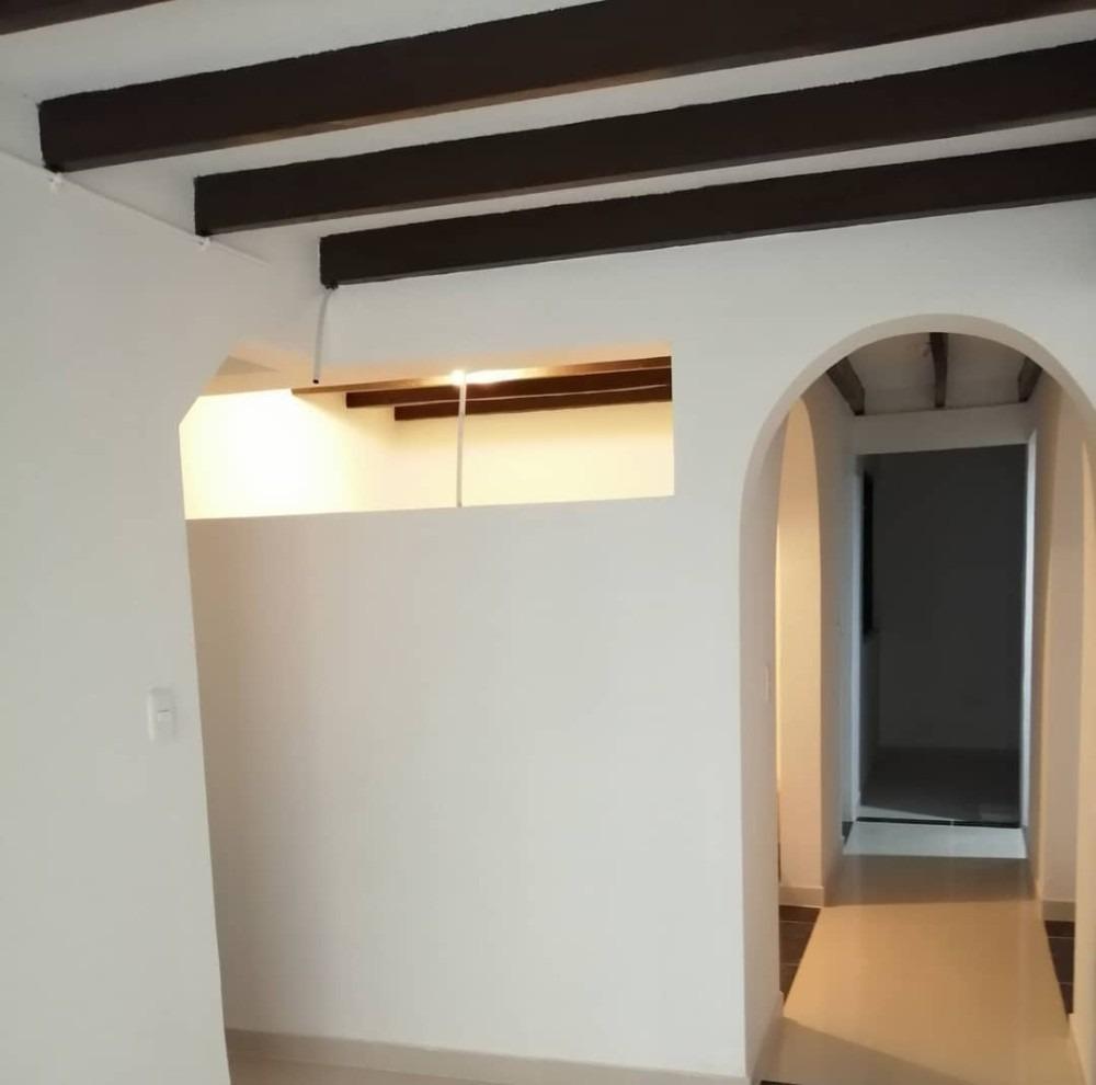 espectacular casa en venta con 2 servicios en manizales