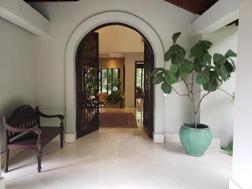 espectacular casa en venta en altos del golf panamá cv
