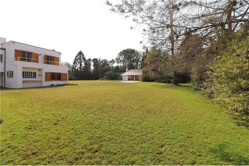 espectacular casa en venta, highland park, pilar.