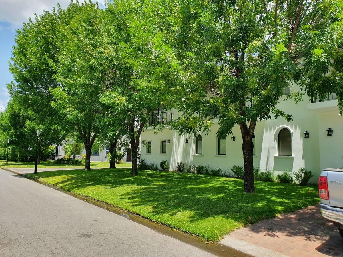 espectacular casa haras del pilar la pradera. 445 m2 oport.