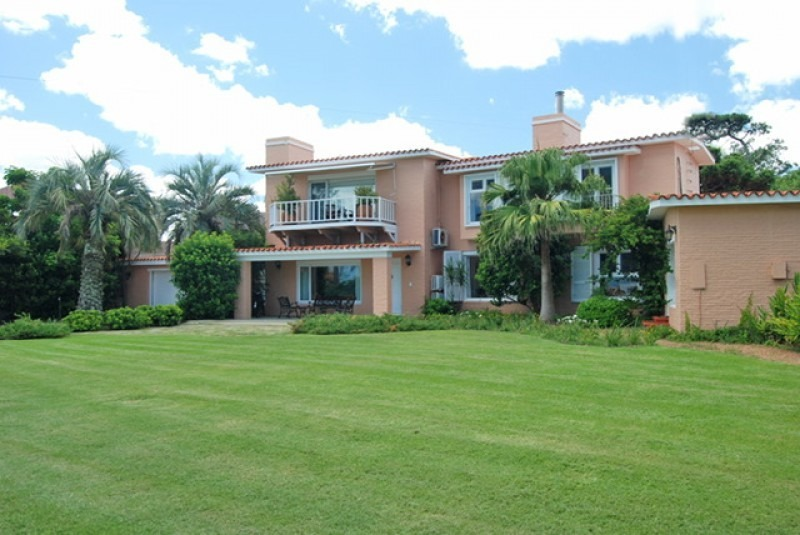 espectacular casa ideal para vivienda permanente.- ref: 4936
