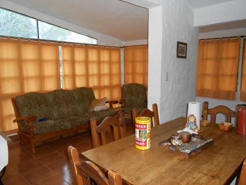 espectacular casa quinta ubicada en barrio privado lago azul - 3 dormitorio - quincho cerrado - piscina.-