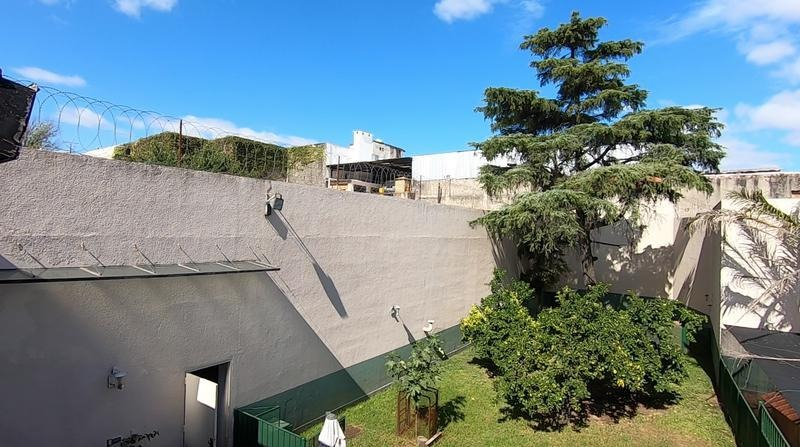 espectacular casa sobre gran terreno - 1000 mts cubiertos