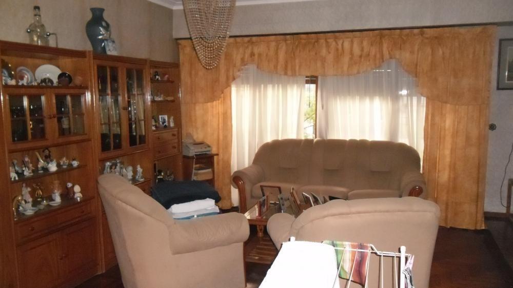 espectacular chalet c/ 4 dormitorios en excelente ubicación.