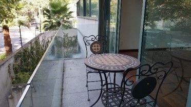 espectacular departamento con balcón
