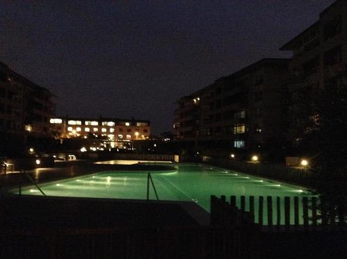 espectacular departamento en alquiler  4 ambientes - quartier lomas de la horqueta. vista a la pileta. excelentes amenities
