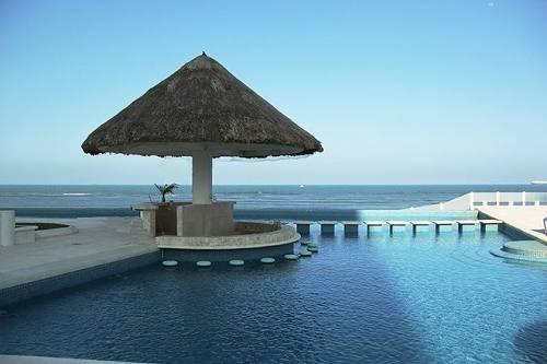 espectacular departamento en renta en jv con acceso a playa