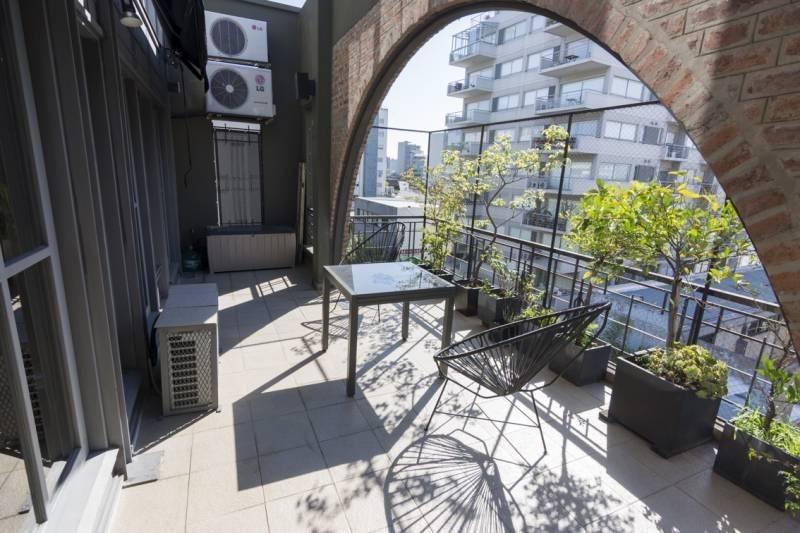 espectacular duplex con terraza!!!! (posibilidad de depto. chico en parte de pago)