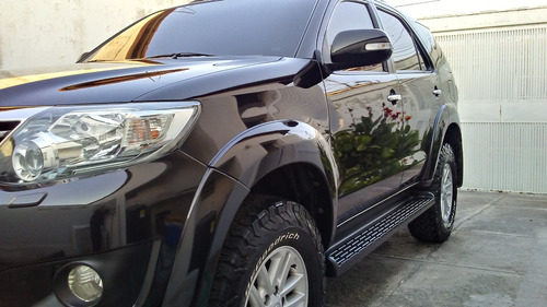 espectacular fortuner negra 4x4  2.014.