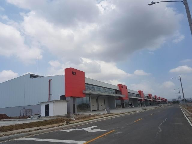 espectacular galera en venta en zona uno tocumen panamá