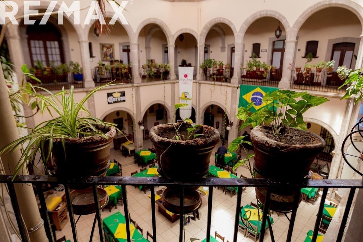 espectacular hotel en el principal corredor turistico de la ciudad¡