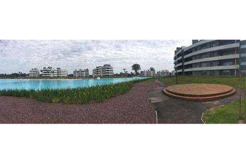 espectacular lote en lagoon pilar!