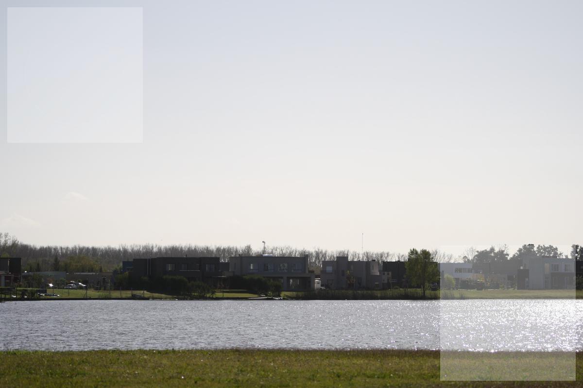 espectacular lote en venta a la laguna en san rafael