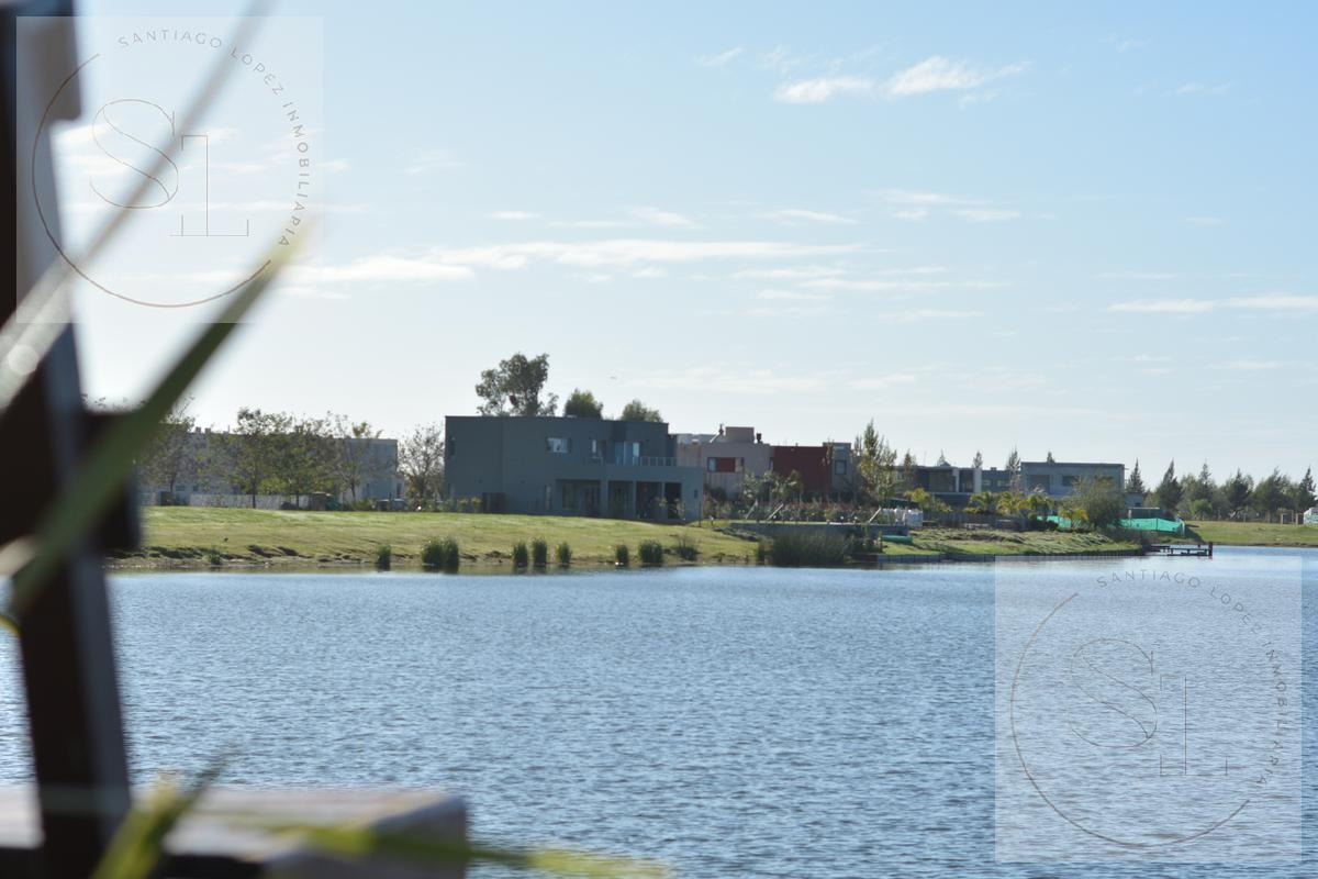 espectacular lote en venta sobre la laguna de san matias área 5