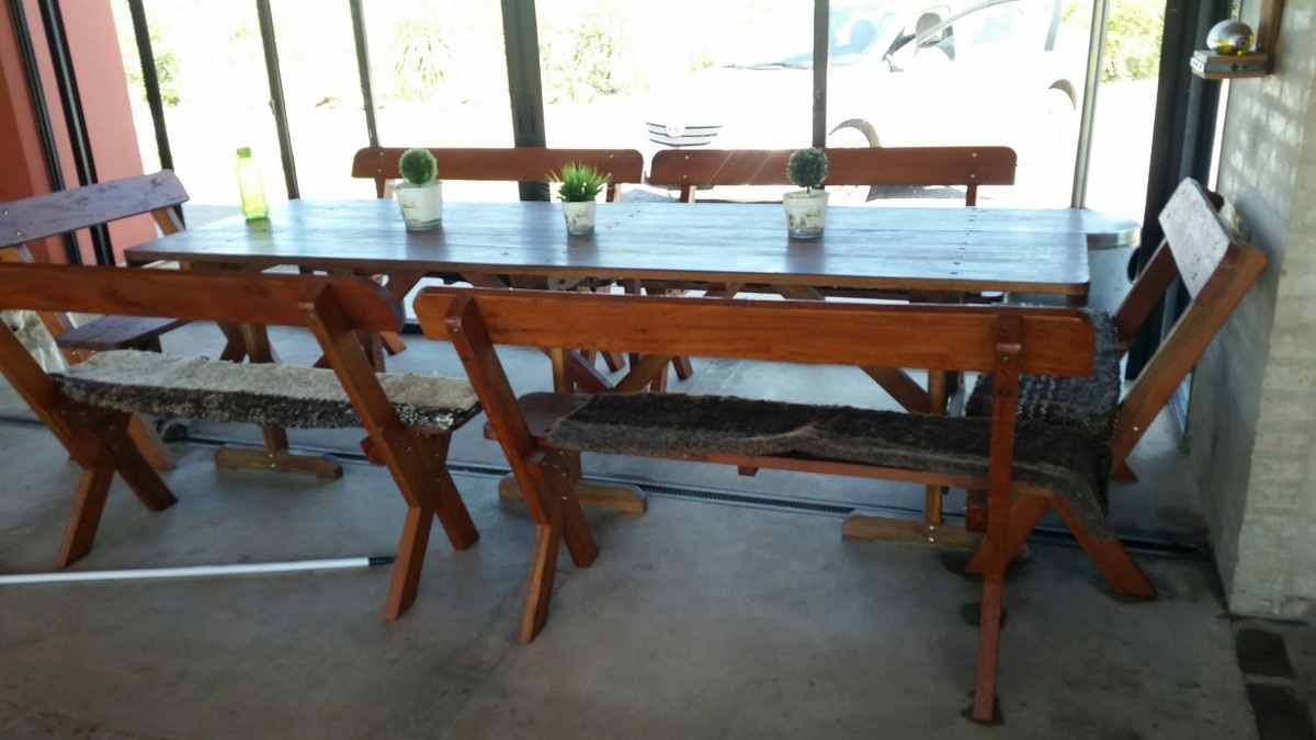 Espectacular mesa con bancos para barbacoa o cocina for Mesas de cocina con banco