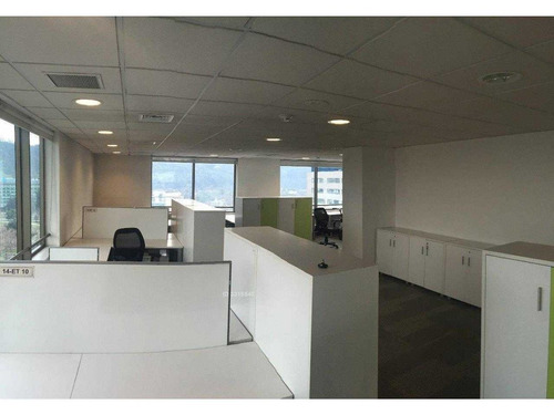 espectacular oficina con mobiliario !