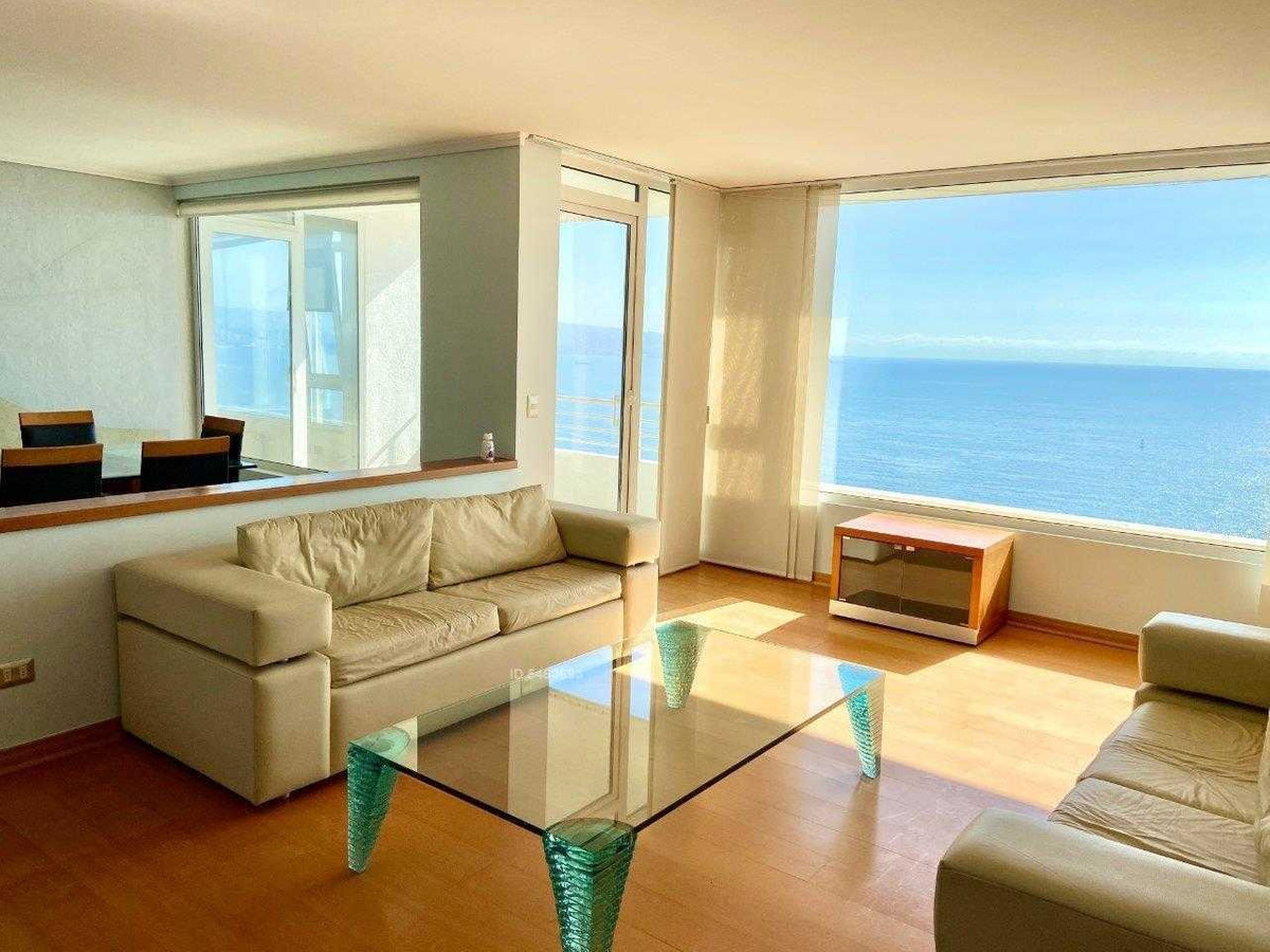 espectacular penthouse de 260 m2 totales, en plena av. edmundo eluchans, con insuperable vista al mar.