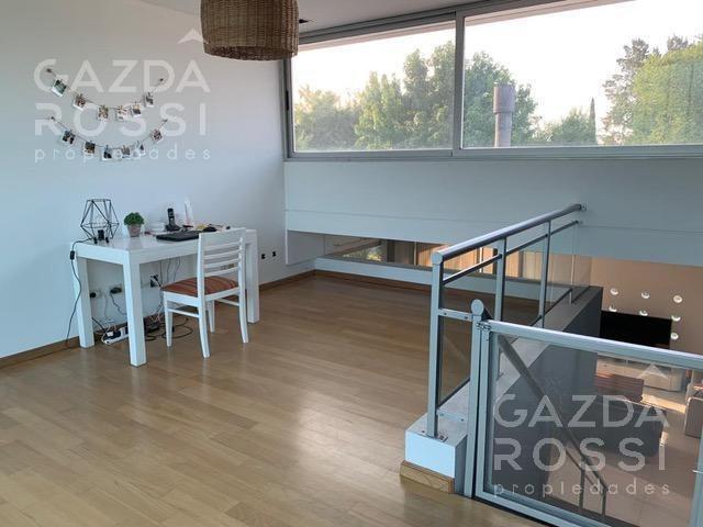 espectacular propiedad estilo moderno a la venta en barrio privado el centauro, canning