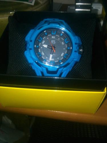 espectacular reloj yess nuevo con garantia