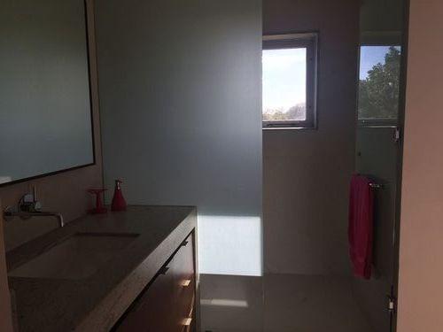 espectacular residencia  con 4 habitaciones, vista al campo de golf  en el yucatán country club. mér