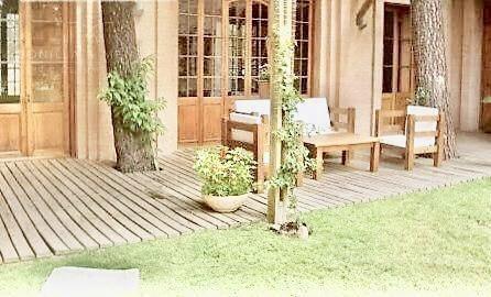 espectacular residencia en la arbolada, 2100 m2 de lote, 700 m2 construídos, alquiler anual!