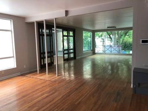 espectacular  showroom / oficina en renta