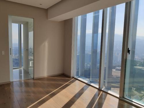 espectacular y muy luminoso departamento en piso 56 de paradox