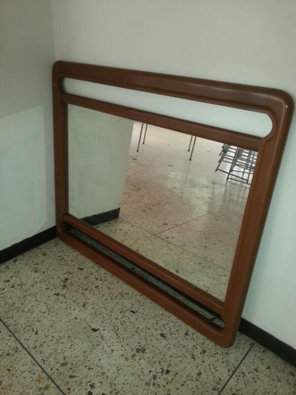 Espejo 93x58 Enmarcado Marcos Madera 104x88 - Bs. 18.000.000,00 en ...