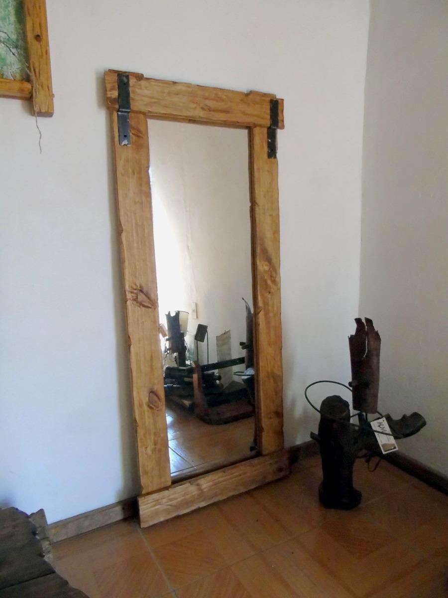 Espejo artesanal madera con apliques de hierro decoformas for Espejos de madera redondos