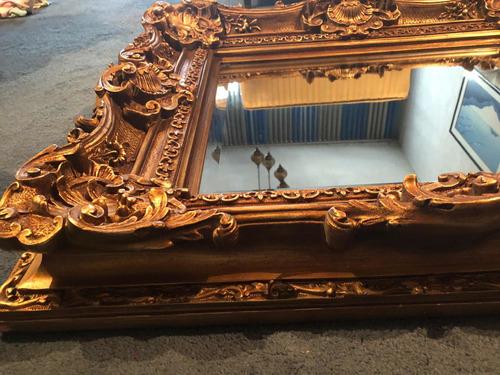 espejo biselado antiguo de madera dorada y pasta