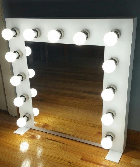 Espejo con luces para peluquer as y maquillaje bs - Tocador con espejo y luces ...